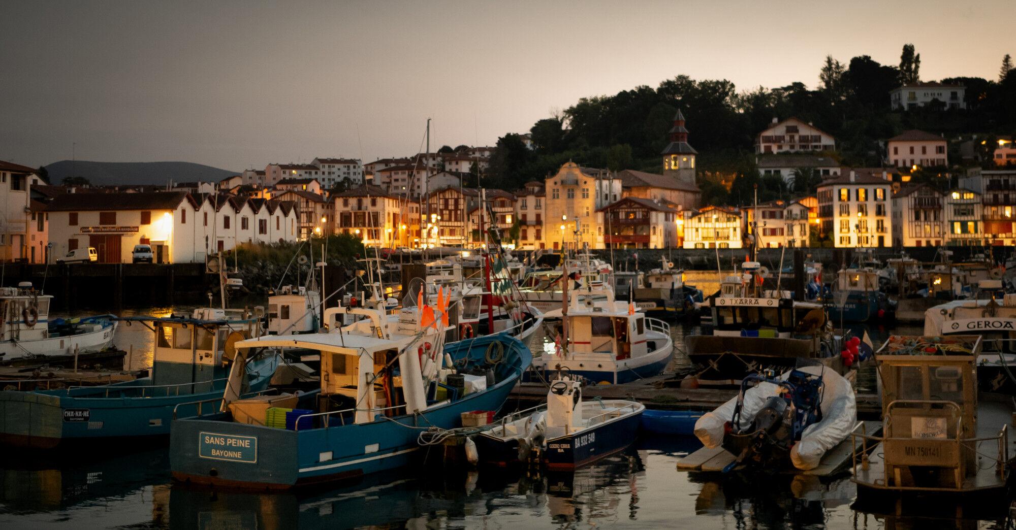 Port de Saint Jean de Luz de nuit, France - Pays Basque, France & Espagne